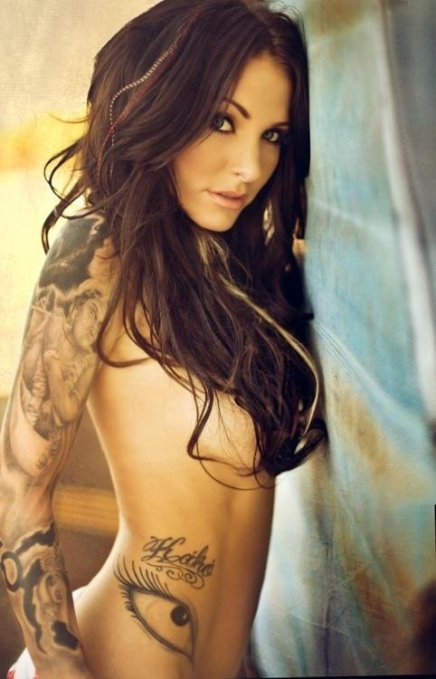 #wouldwife Tattoo Hottie 1 T-blawg